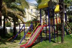 kid_playground_1