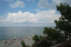 Пляж в районе отеля Пенаты