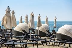 Пляж отеля - верхняя часть песок