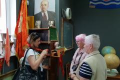 В музее СССР с гидом